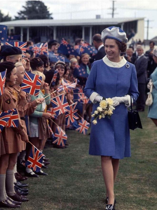 Ba lần Nữ hoàng Anh Elizabeth II thoát âm mưu ám sát - 4