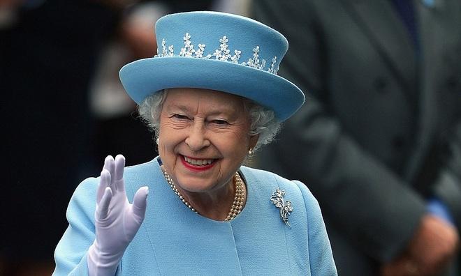 Ba lần Nữ hoàng Anh Elizabeth II thoát âm mưu ám sát - 1
