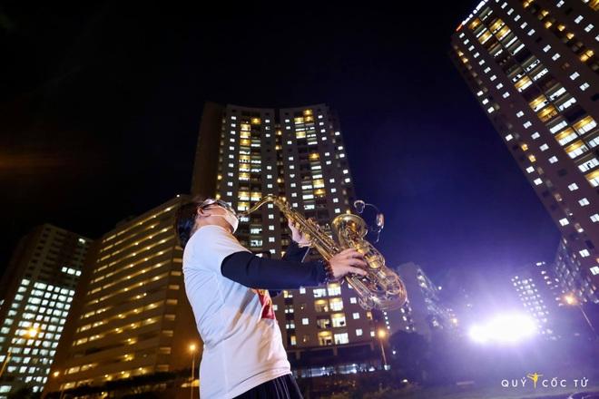 Saxophone Trần Mạnh Tuấn: Tôi đã khóc khi biểu diễn - 1