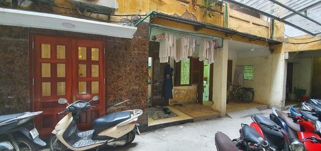 Căn tập thể cũ nằm trên phố Hàng Vôi (Hoàn Kiếm, Hà Nội).