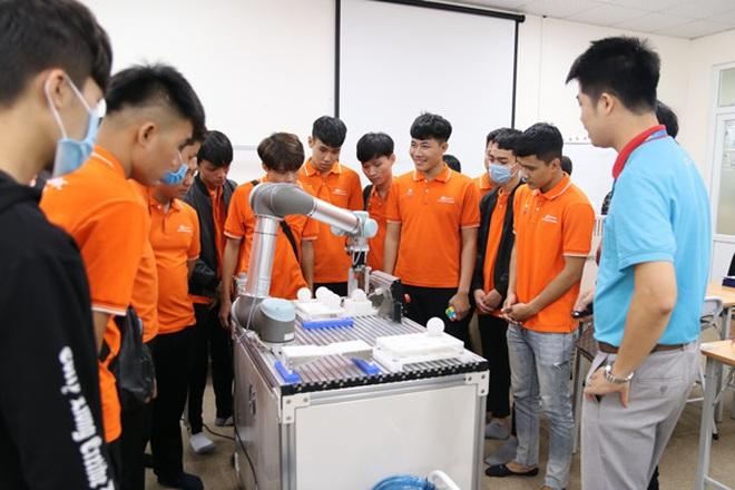 Hơn 10.000 sinh viên đã nhập học Cao đẳng FPT Polytechnic - 2