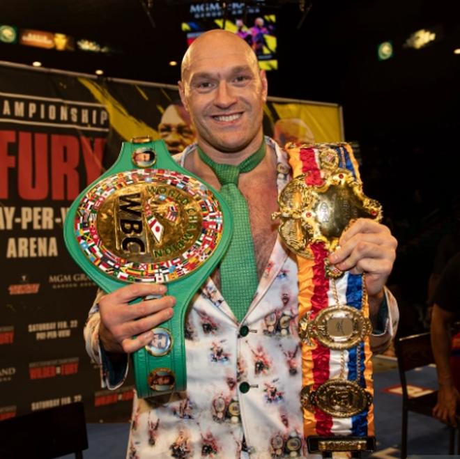 Cảm động đằng sau câu chuyện võ sĩ Tyson Fury rao bán đai vô địch - 2