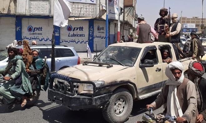 7 ngày Taliban tấn công chớp nhoáng làm rung chuyển Afghanistan - 1