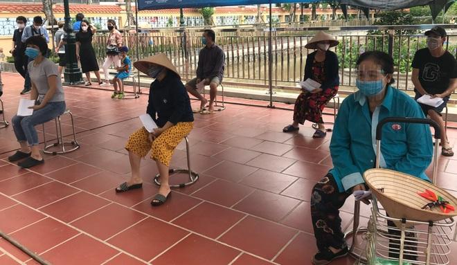 Siêu thị lạ ở Hà Nội: Mua hàng tùy thích, chọn thoải mái với giá 0 đồng - 1