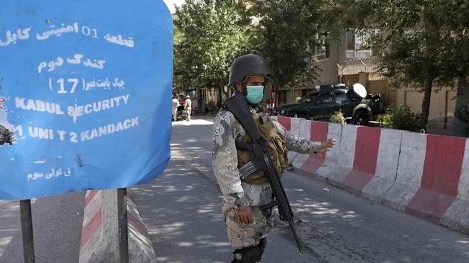 Taliban tiến sát Kabul, phương Tây cấp tập đóng sứ quán, sơ tán nhân viên - 2