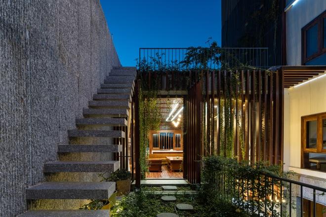 Ngôi nhà rộng 350 m2 có vườn rau, ao cá tuyệt đẹp ở Nha Trang - 4