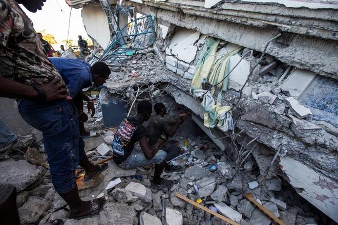 Haiti tan hoang sau động đất kinh hoàng, 1.297 người chết - 2