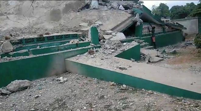 Haiti tan hoang sau động đất kinh hoàng, 1.297 người chết - 7