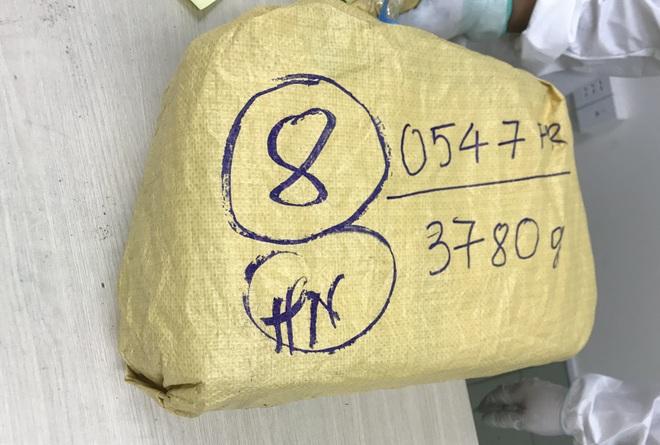 TPHCM: Hơn 30 kg ma túy ẩn mình trong những viên chocolate bị phát hiện - 4