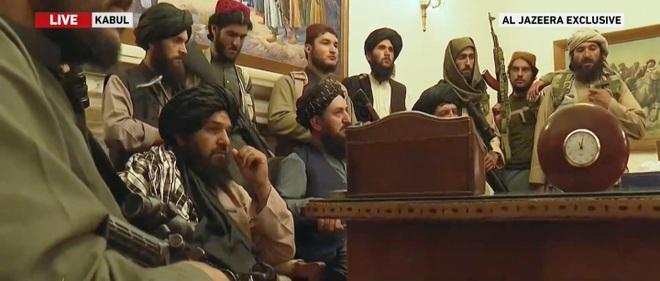Taliban hạ cờ ở dinh tổng thống Afghanistan, tuyên bố chiến tranh kết thúc - 2
