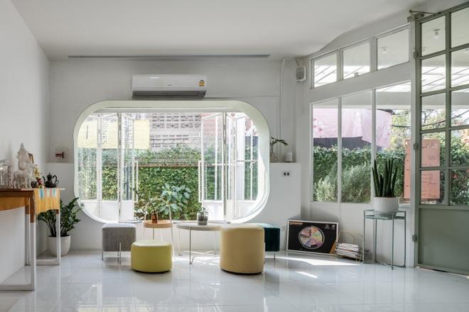 Thiết kế đẹp lạ trong quán cà phê cải tạo từ tòa nhà hơn 70 năm tuổi - 11