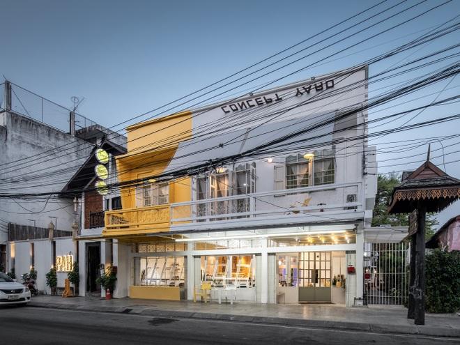 Thiết kế đẹp lạ trong quán cà phê cải tạo từ tòa nhà hơn 70 năm tuổi - 2
