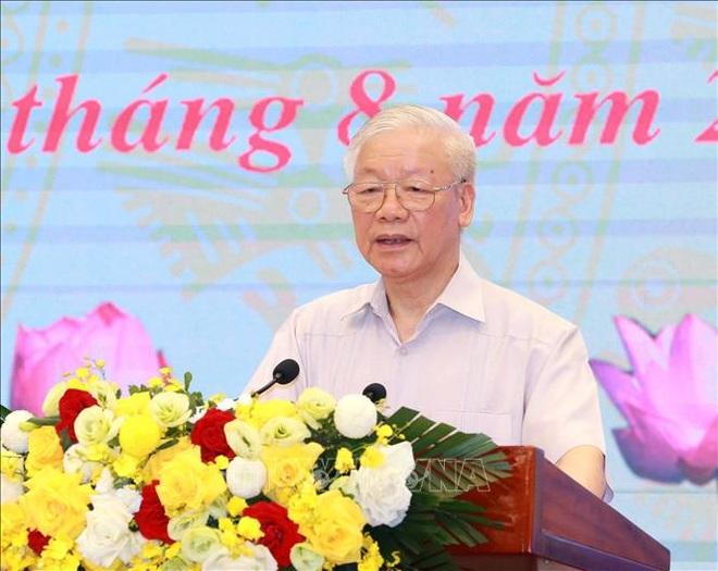 Tổng Bí thư thăm hỏi, động viên Đảng bộ, chính quyền, nhân dân TPHCM - 1