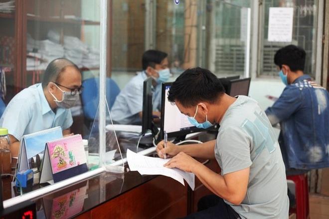 Lao động thất nghiệp sử dụng của để dành vượt qua đại dịch - 2