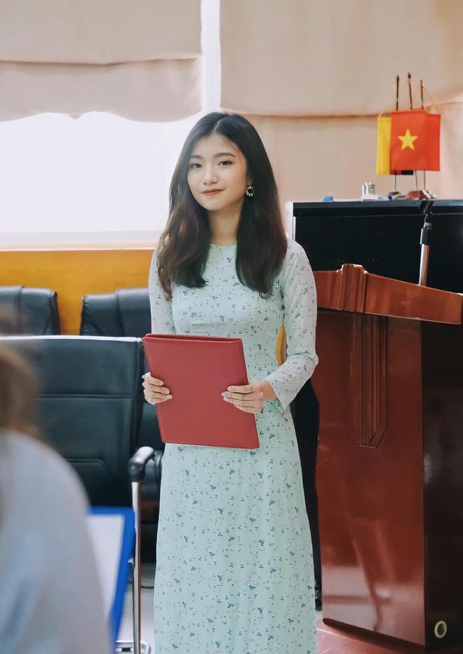 Nữ sinh Luật xinh đẹp, đa tài: Luôn cố gắng để bản thân bận rộn - 3