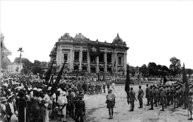 Chủ tịch Hồ Chí Minh với Cách mạng Tháng Tám - 2