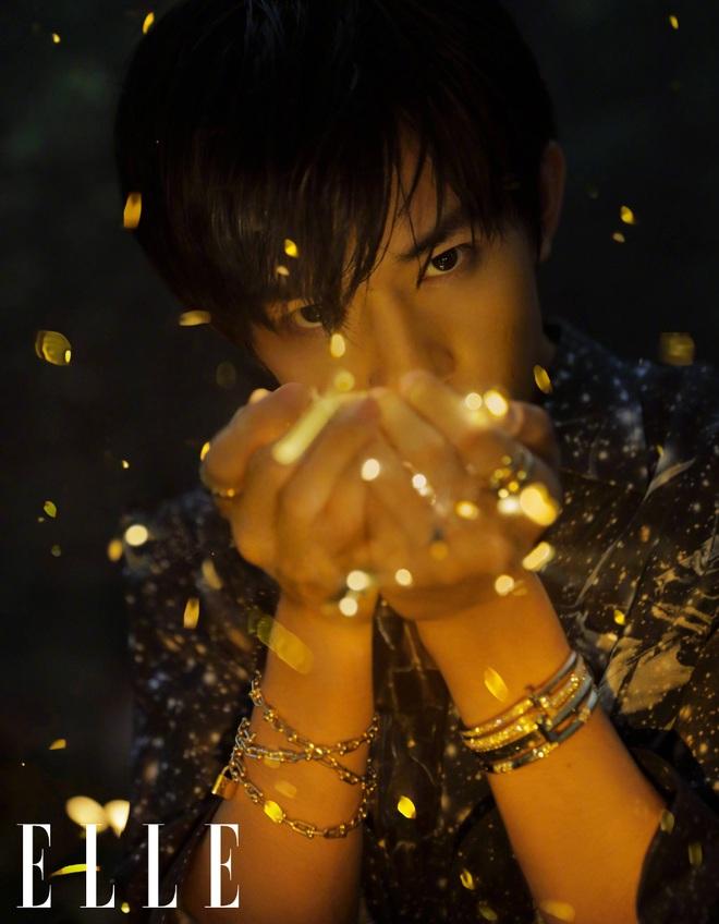 Vẻ đẹp nam tính của ngôi sao 21 tuổi quyền lực nhất - Dịch Dương Thiên Tỉ - 5