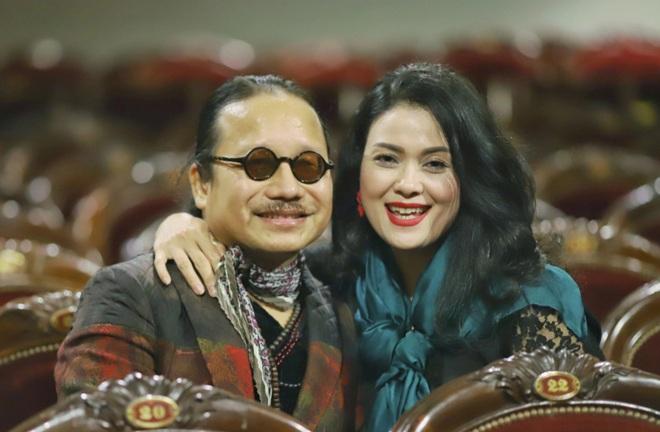 Nghệ sĩ saxophone Trần Mạnh Tuấn tỉnh táo, hỏi thăm con gái học tập ở Mỹ - 1