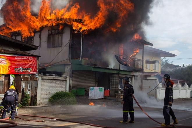 Giải pháp phòng chống giặc lửa hiệu quả từ dây điện siêu chống cháy - 1