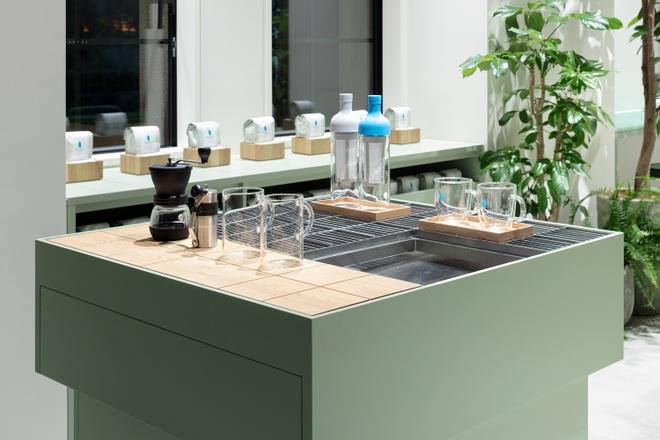 Quán cà phê màu xanh biết làm mát, thiết kế đẹp lạ có một không hai - 6