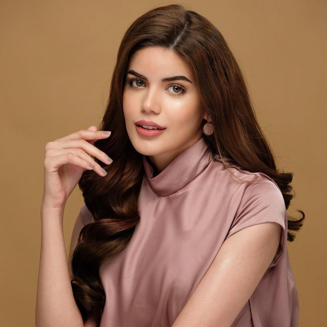 """Một năm sau """"ồn ào"""" làm tiểu tam, Hoa hậu người Philippines làm đám cưới"""