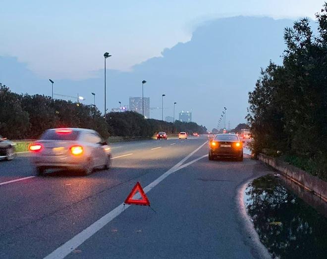 Xe bị trục trặc, dừng đỗ ở làn khẩn cấp thế nào cho an toàn? - 4