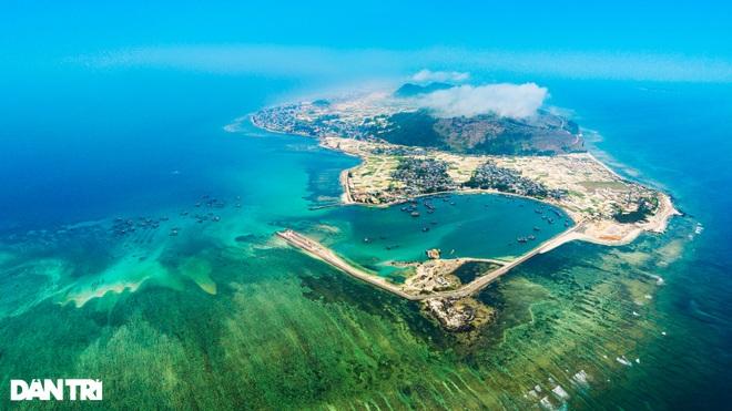 Núi lửa triệu năm tuổi và những cảnh đẹp hút hồn du khách ở đảo Lý Sơn - 1