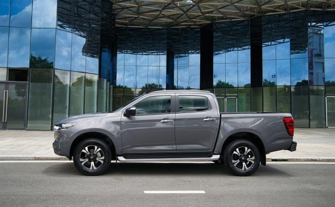Mazda BT-50 2022 tăng giá cả trăm triệu đồng, thêm trang bị đấu Ford Ranger - 3