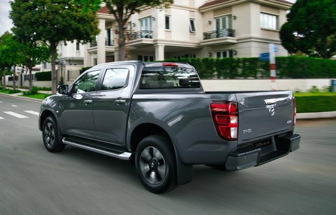Mazda BT-50 2022 tăng giá cả trăm triệu đồng, thêm trang bị đấu Ford Ranger - 4