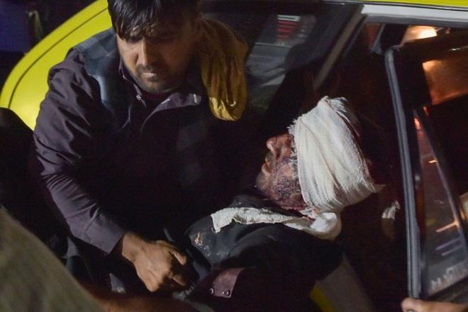 Hiện trường vụ nổ như ngày tận thế khiến 70 người chết tại sân bay Kabul - 3