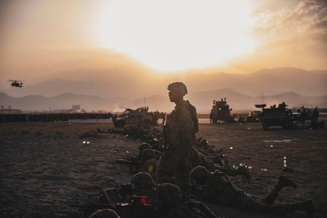 Máy bay Mỹ cuối cùng rời Afghanistan, chấm dứt cuộc chiến dài nhất lịch sử - 3