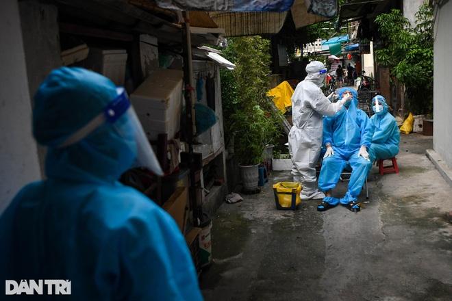 Hà Nội phát hiện chùm ca dương tính SARS-CoV-2 tại Long Biên - 1