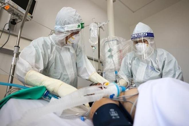 Dịch bệnh hạ nhiệt, tập trung bao phủ 100% vắc xin cho người trên 18 tuổi - 2