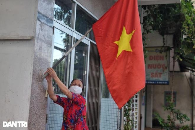 Đường phố Đà Nẵng đỏ thắm sắc cờ đón Tết Độc lập đặc biệt - 8