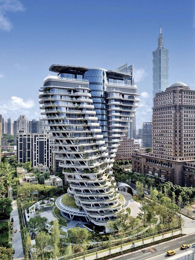 Độc đáo tòa nhà 21 tầng xoắn vặn như chuỗi DNA - 1