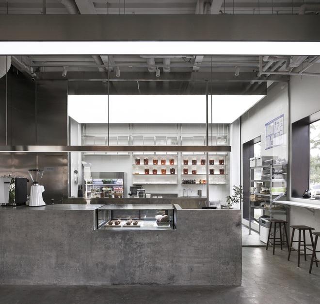 Thiết kế độc lạ trong quán cà phê xuyên thấu không vách ngăn - 5