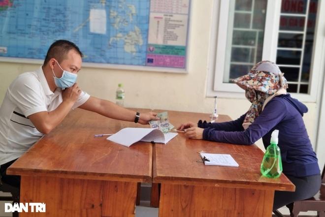 Đà Nẵng: Hơn 11.000 lao động tự do được hỗ trợ khó khăn do Covid-19 - 1
