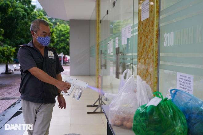 Phong tỏa chung cư ở Hà Nội có 7 F0, một hiệu thuốc liên quan phải đóng cửa - 4