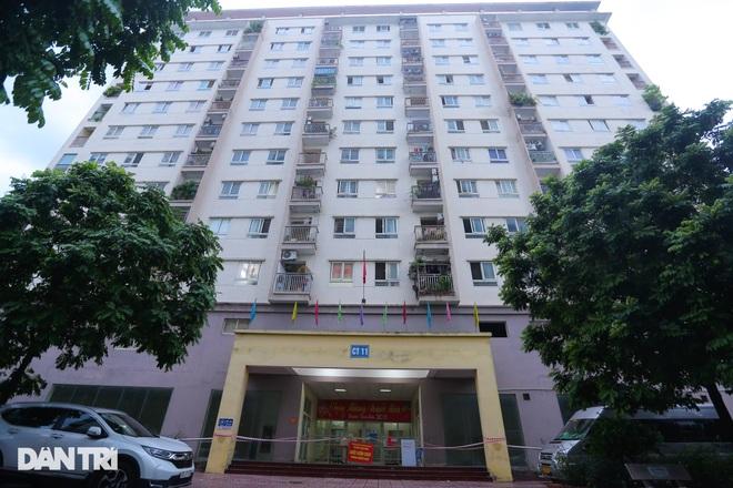 Phong tỏa chung cư ở Hà Nội có 7 F0, một hiệu thuốc liên quan phải đóng cửa - 1