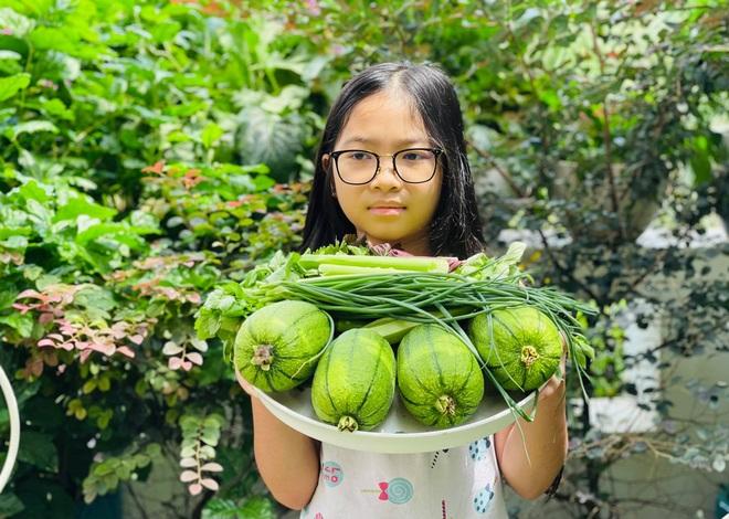 Ngắm vườn như rừng bách thảo trên sân thượng của nữ gia chủ ở Sài Gòn - 13