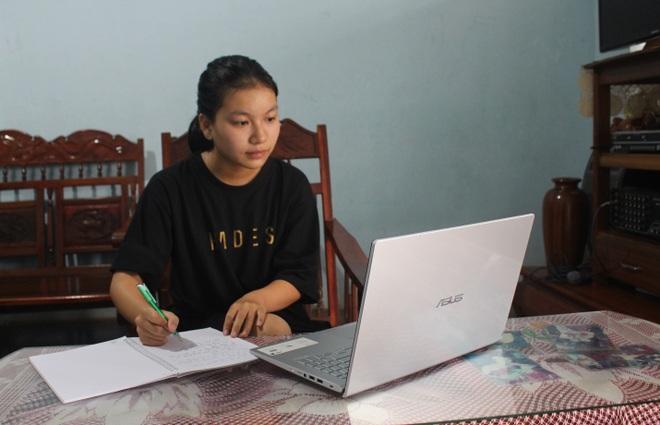 Con học trực tuyến, phụ huynh phải đầu tư bao nhiêu tiền? - 2