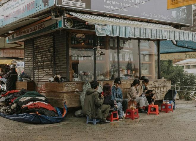 Giới trẻ Đà Lạt nô nức check-in như đi hội, hẹn hò ăn sáng, cà phê từ 6h - 3