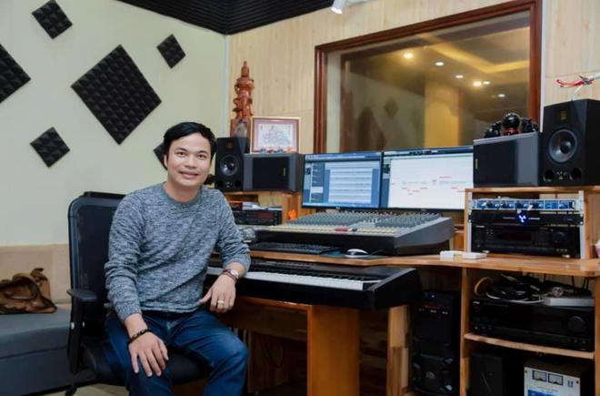 Nhạc sĩ Xuân Trí tiếp thêm sức mạnh cho đội ngũ y bác sĩ giữa thời dịch - 1