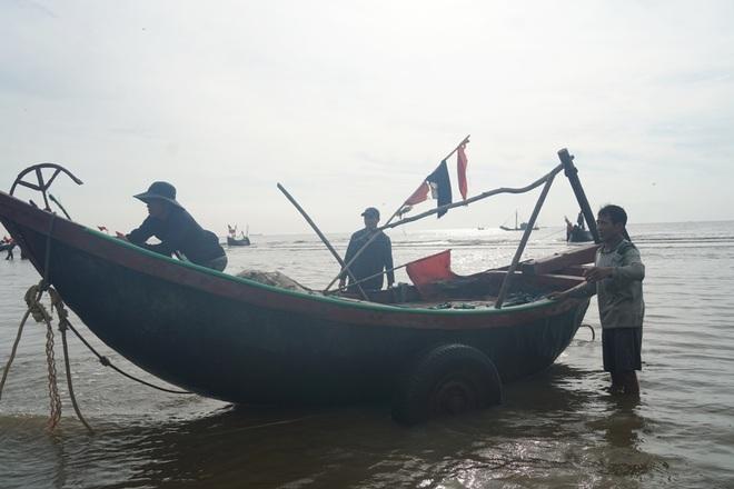 Những mẻ cá chạy bão số 5 của ngư dân xứ Thanh - 2