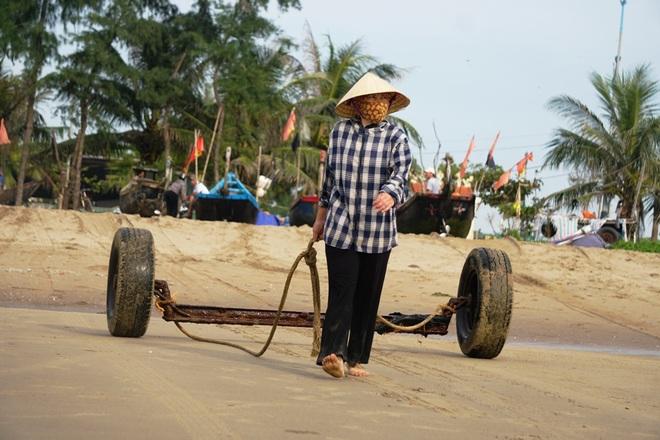 Những mẻ cá chạy bão số 5 của ngư dân xứ Thanh - 5