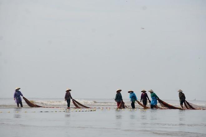 Những mẻ cá chạy bão số 5 của ngư dân xứ Thanh - 8