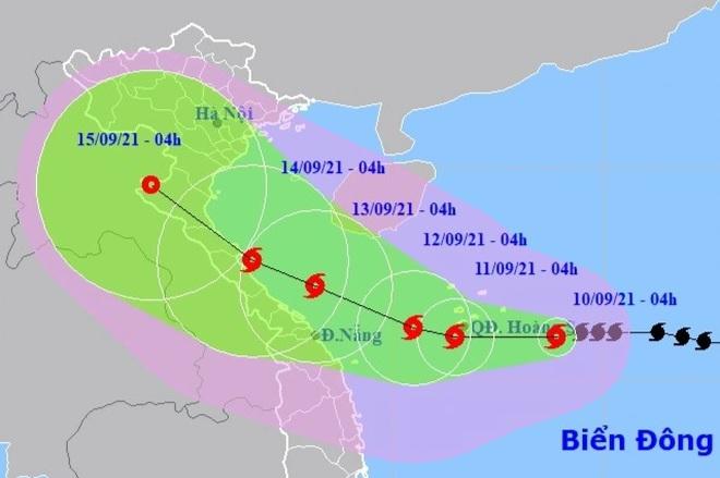 Bão số 5 tăng cường độ, tiếp tục hướng vào các tỉnh miền Trung - 1