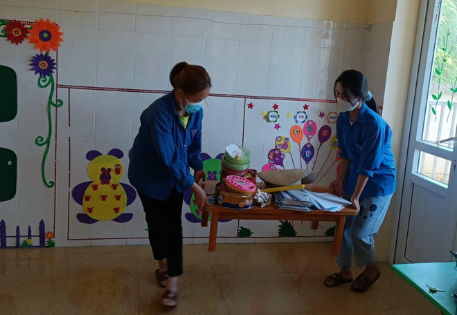 Nghệ An: Toàn bộ học sinh huyện biên giới phải dừng việc học vì 3 em là F0 - 1