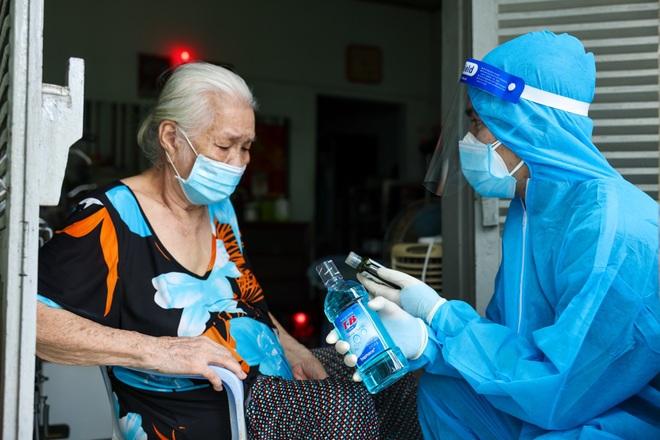 Có gì trong túi thuốc điều trị bệnh nhân Covid-19 tại nhà? - 1