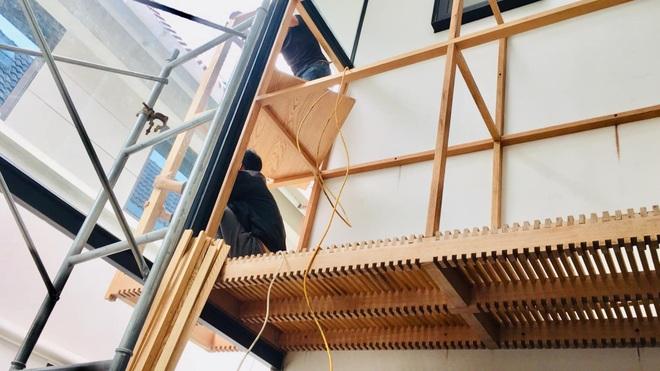 Mùa dịch không ra đường, bố mẹ làm không gian ghép gỗ cho con chơi tại nhà - 2